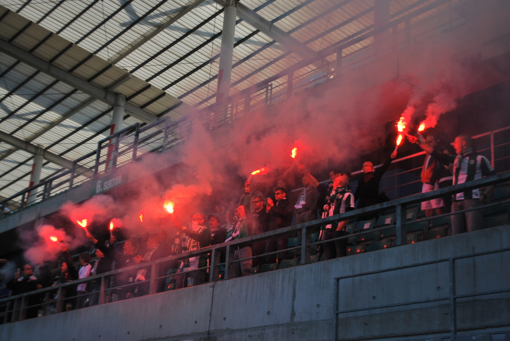 Pyro party by FC Flora fans