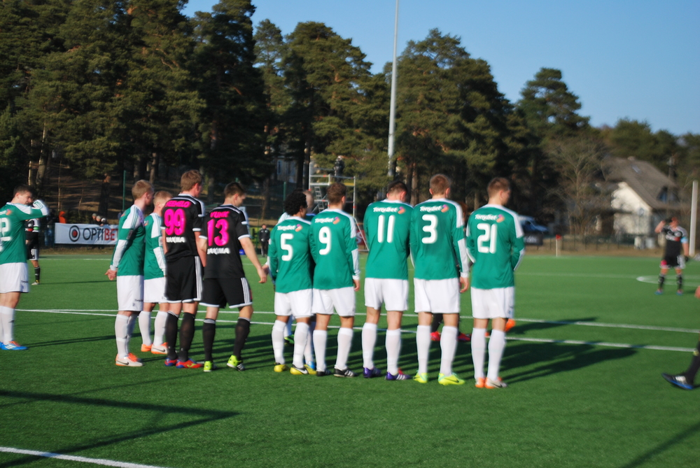 Omar (nr.5) forming a wall in the previous goalless draw against Kalju in Hiiu (RdS)