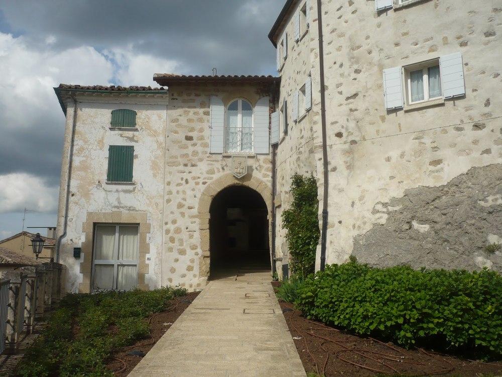 The gate-entrance to Montegiardino medieval borough