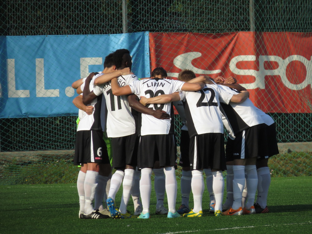 A compact Infonet managed to hold Kalju on a goalless draw ahead of their clash with FRAM Reykjavik (Keiko Masuda)