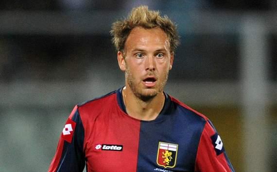 Andrea Grandqvist wearing the glorious Genoa strip