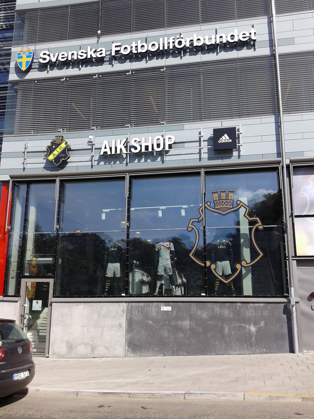 AIK Shop just before turning the corner to the Friends Arena, any type of thinkable gadget available