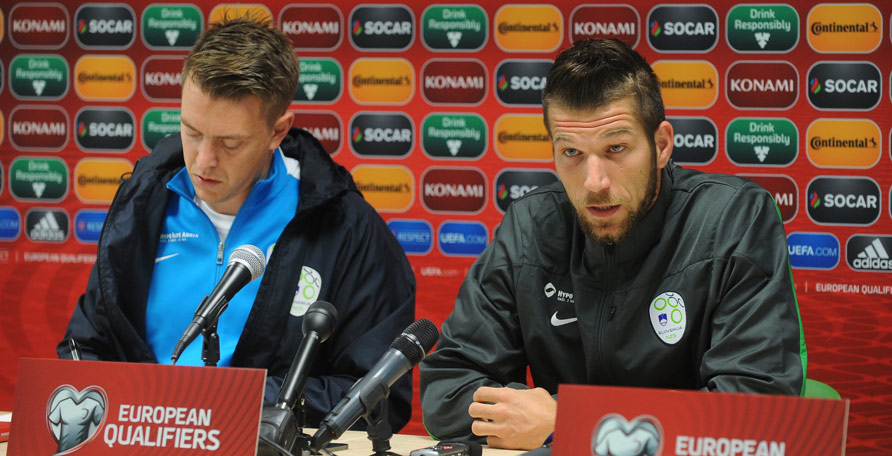 Team captain Bostjan Cesar (right) ready to take on the Estonians (foto: Ekipa)