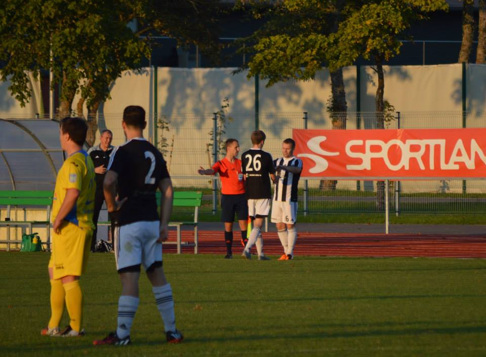 Zakin finally enters the pitch on 64' minutes under the eyes of Andrea Castelnovo (nr.2) (FC Kuressaare Facebook page)