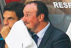 Benitez will need more of those towels in coming days as the temperature goes up in Napoli...