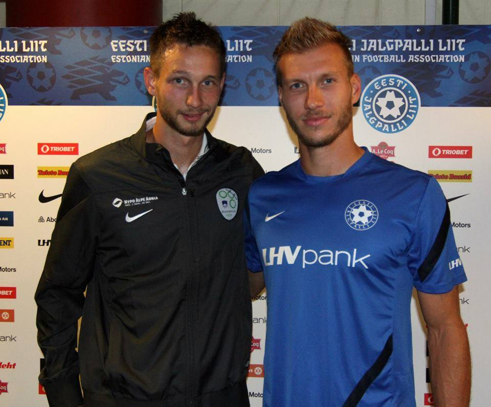 Ragnar Klavan with his teammate at FC Augsburg, Slovenian striker Tim Matavź before the game in Tallinn (Ragnar Klavan Official Facebook page)