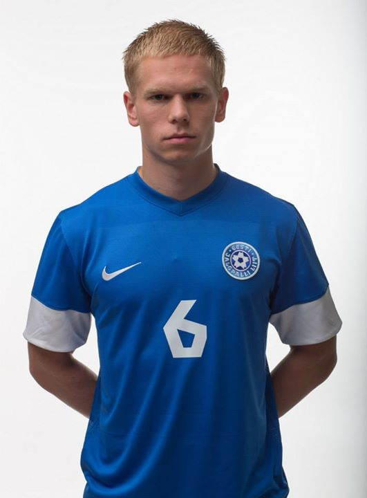 Antonov holds the same number of jerseys he has at Levadia (www.ejl.ee)