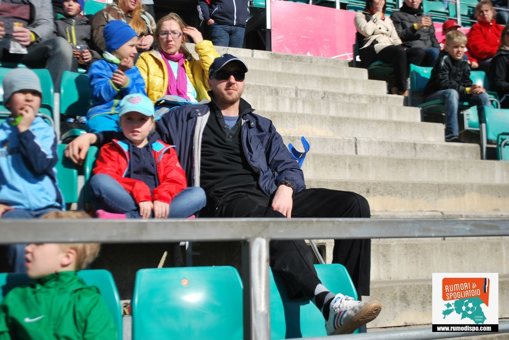 At the box. Zaho watched 2014 season from the stands (RdS)