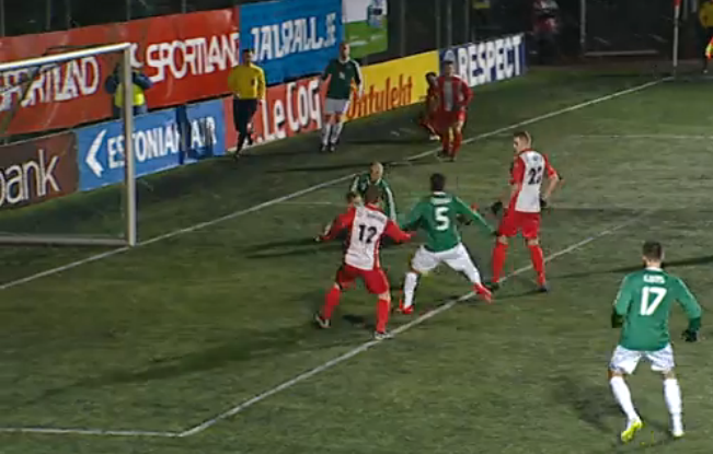 Omar misses at empty goal. Just over the bar.(err streaming screenshot)