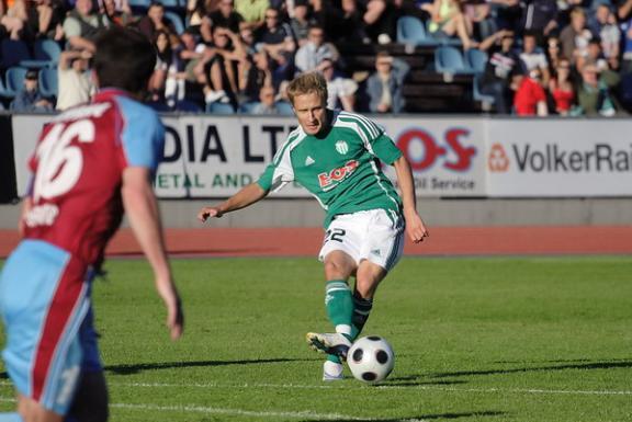 Sander Puri in action against Drogheda (Soccernet.ee)
