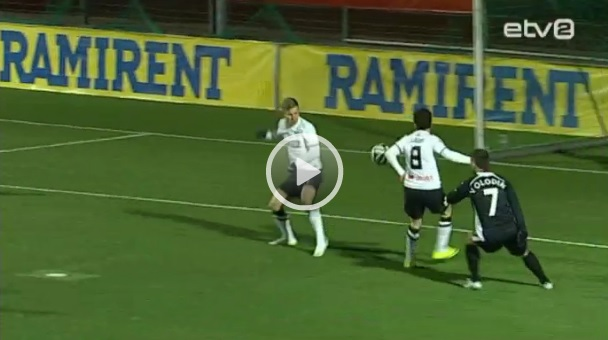 Logua's elbow looks a bit far from the body and looking for the ball (screenshot from ETV2 video)