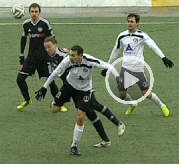 The moment when Voskoboinikov injured himself on Sillamäe's artificial pitch (ERR screenshot)