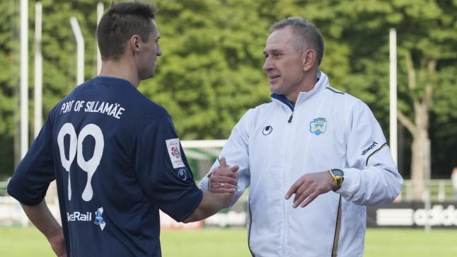 Sliding doors at Sillamäe. Striker Kabaev shakes hands with coach Frantsev. The latter leaves while the former might return. (Tiina Kõrtsini / Õhtuleht)