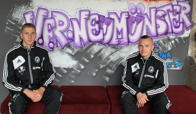 Laabus (left) and Tenno when they were presented for Regionalliga side VfR Neumunster.