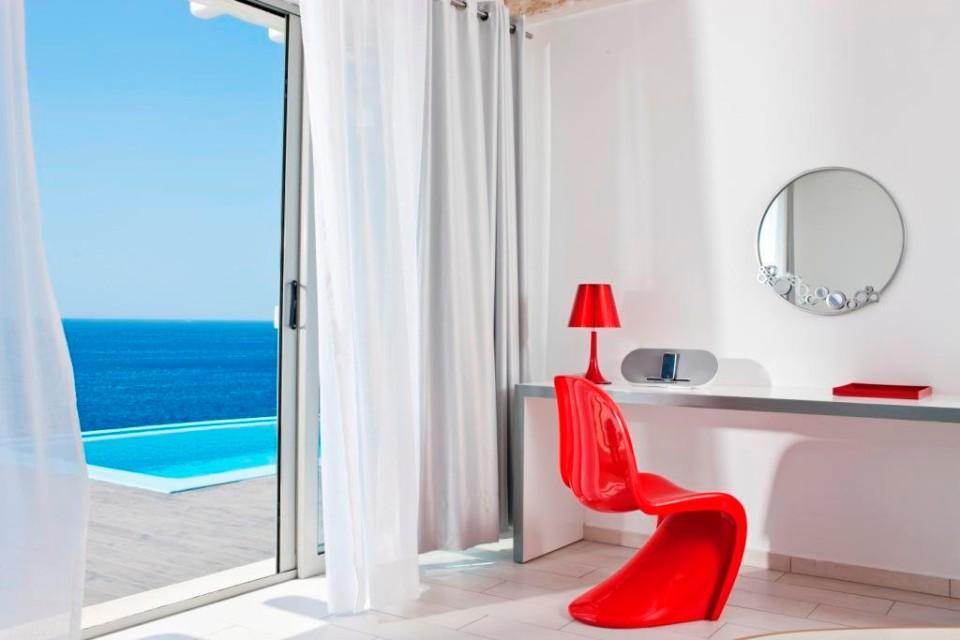 Kouros Hotel & Suites (5*)