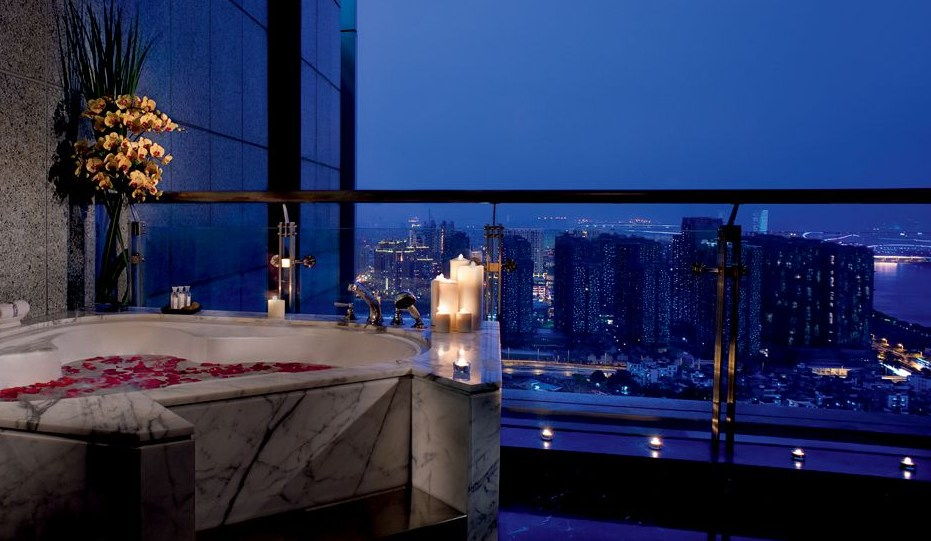 The Ritz-Carlton, Guangzhou (5*)