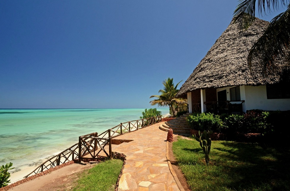 Ras Nungwi Beach Hotel (4*)