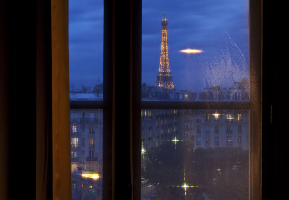 Hotels near the eiffel tower with a perfect paris view for Hotel near eiffel tower paris