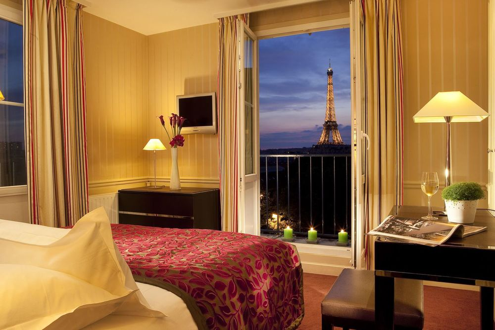 8 Hotels Near The Eiffel Tower With A Paris View The