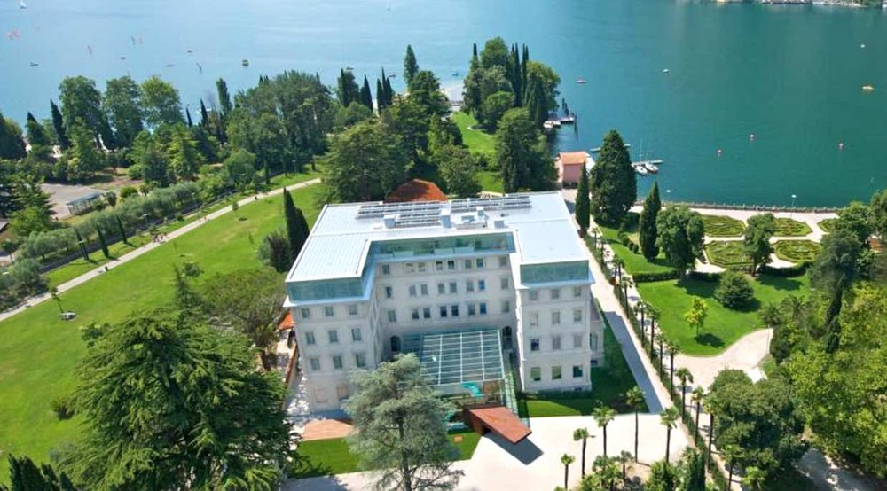 Lake garda hotels with best views for romantic holidays for The finest hotels of the world