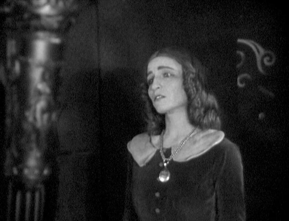 Madeleine (Marguerite Gance) 102 KB.JPG