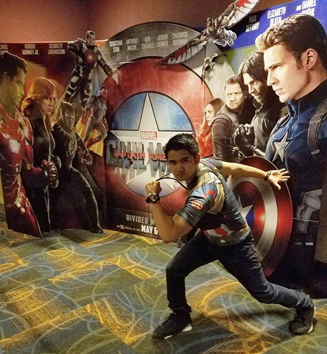 Less than 30 minutes til show time! Lets go TEAM CAP!! #teamcap #teamcaptainamerica #civilwar #captainamericacivilwar