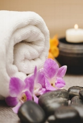 towels-candles-stones-and-flowers_23-2147645687.jpg