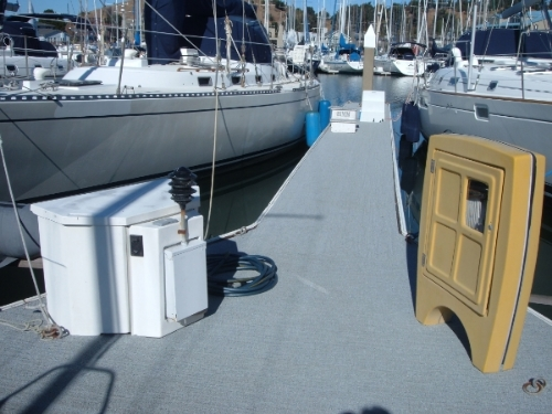 Matting for Docks and Gangways.