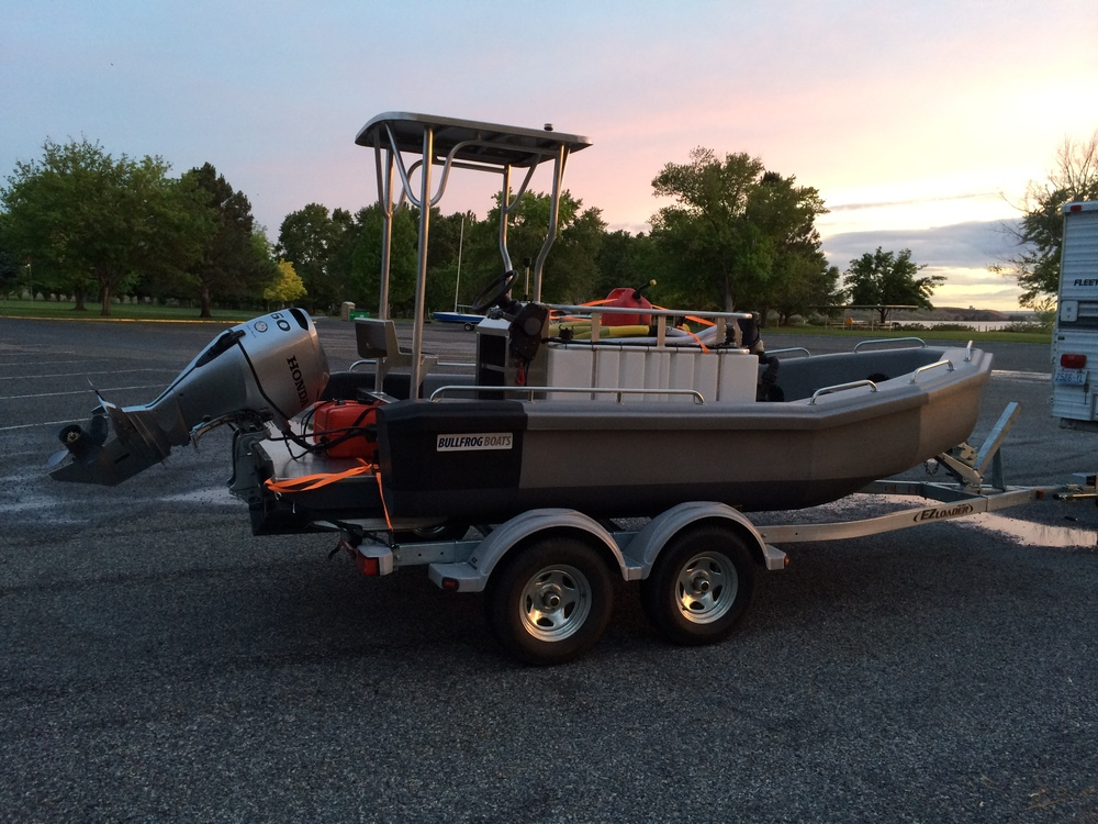 Ice Harbor Marina requested the double axle heavy duty trailer for towing the boat when loaded.