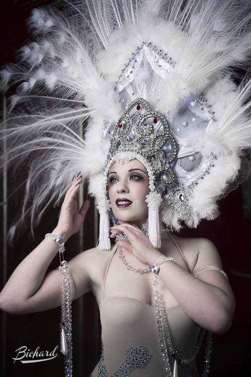 sara-costantini-creazione-costumi-burlesque-milano.jpg
