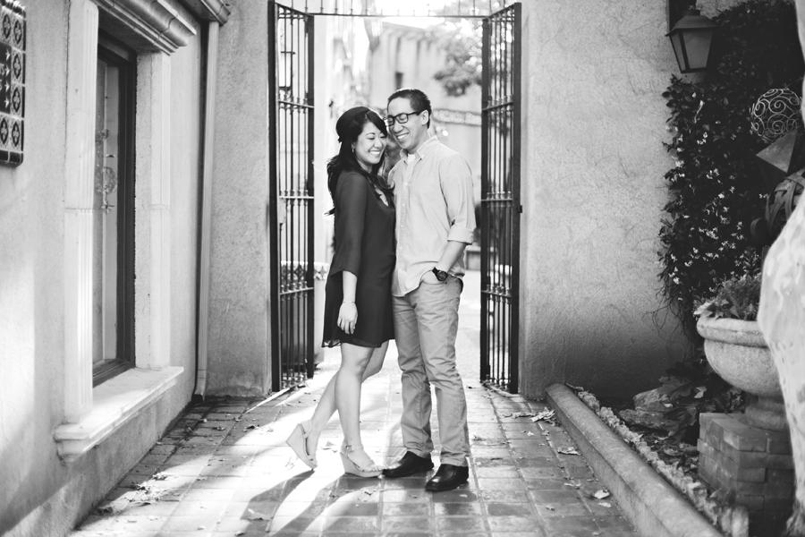 EngagementPortraits_Tlaquepaque_30.png