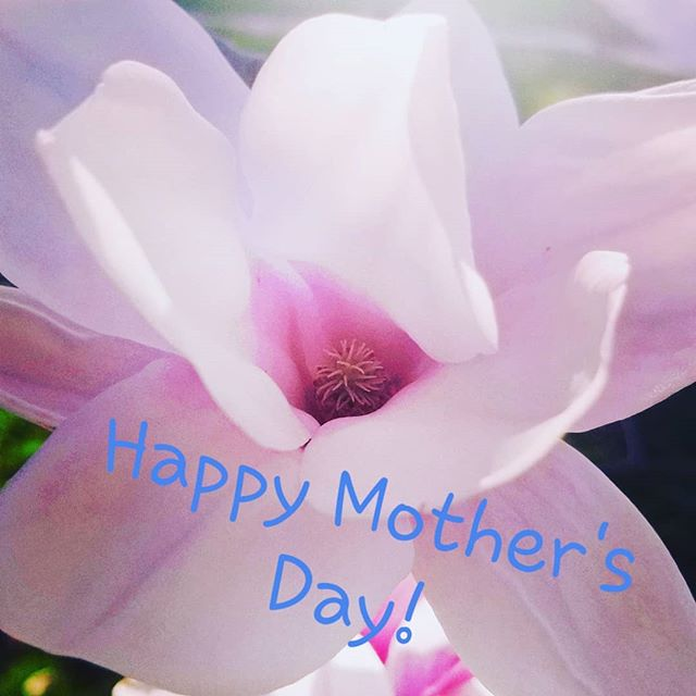 We love all #Moms #HappyMothersDay enjoy your special day❤