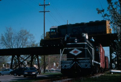 Our first runby was an under-over photo with CSX 8878W at Connersville.