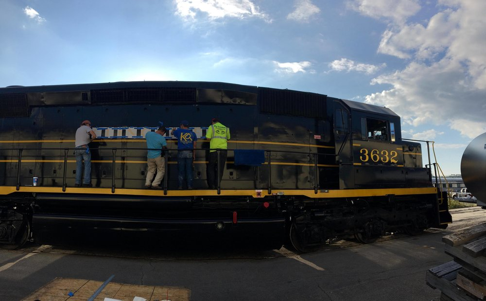 SARM volunteers work on transforming SCL 2024 into Clinchfield 3632. Gabe Passmore photo