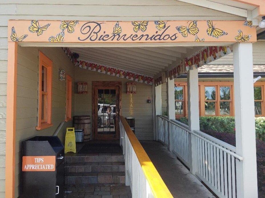 Restaurant TacoLu, Bienvenidos sign in Jacksonville Beach, FL
