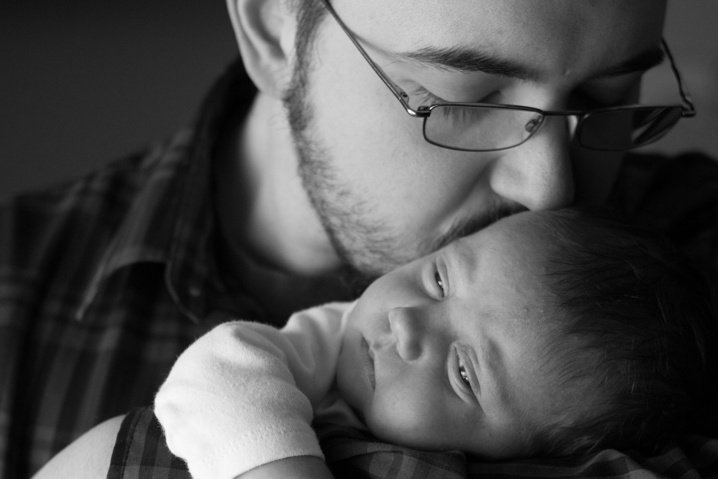Newborn Session ~ Champaign-Urbana Newborn Portrait Photographer ~ Father Daughter