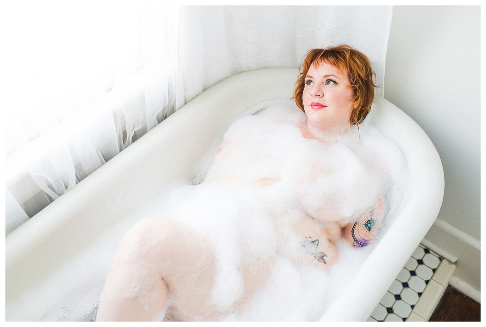 curvy tattooed bubble bath boudoir photography kansas city