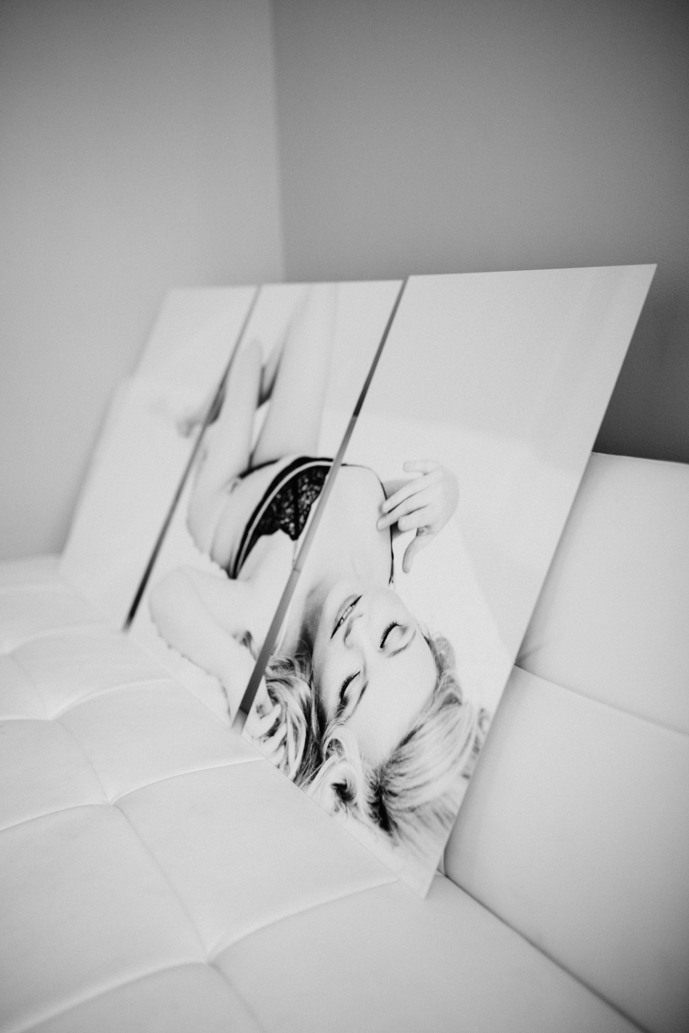 I pretty much can't stop myself from drooling when I see this metal print in my studio. The perfect way to display your gorgeous boudoir session!
