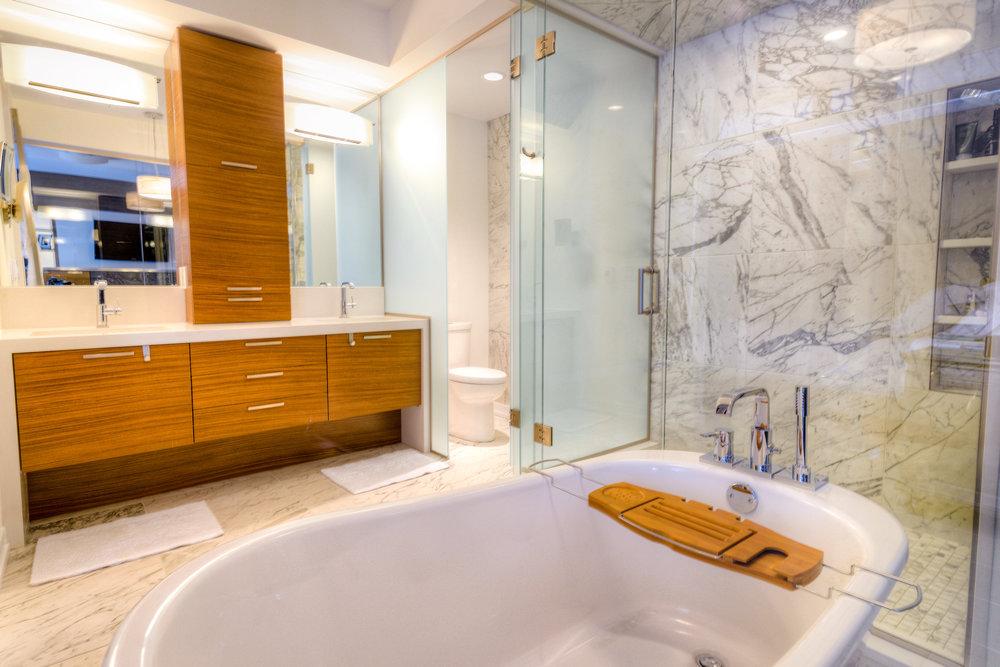 Winnipeg Bathroom Renovation Company, Creative Design Contractors