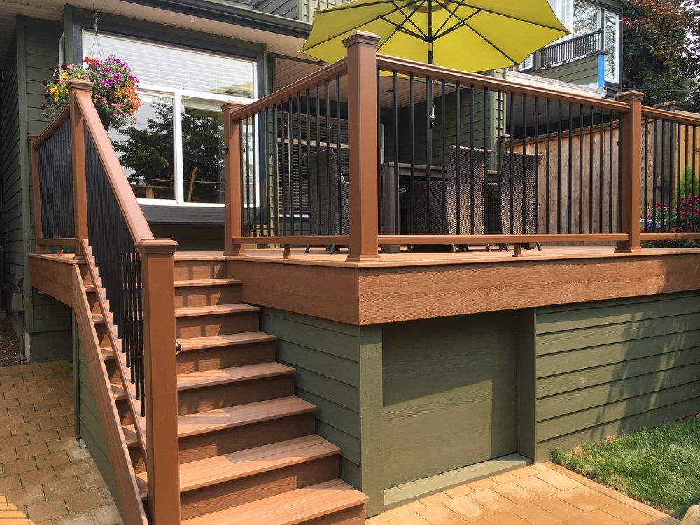 North Vancouver Deck Builder