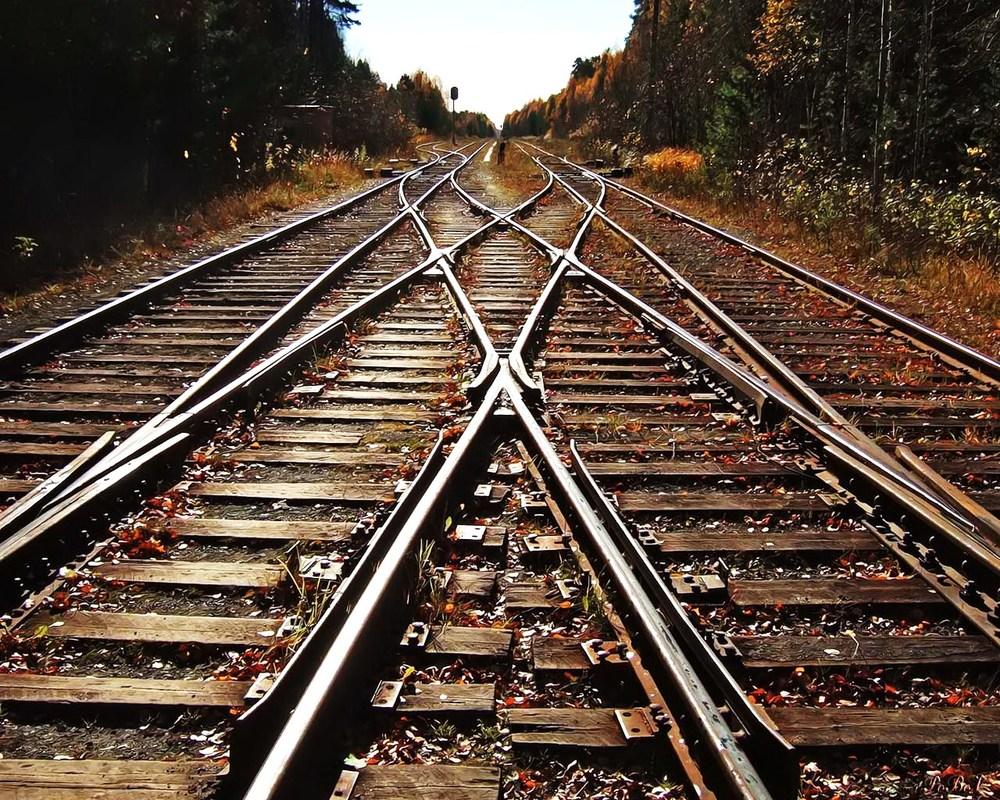 traintracks1.jpg