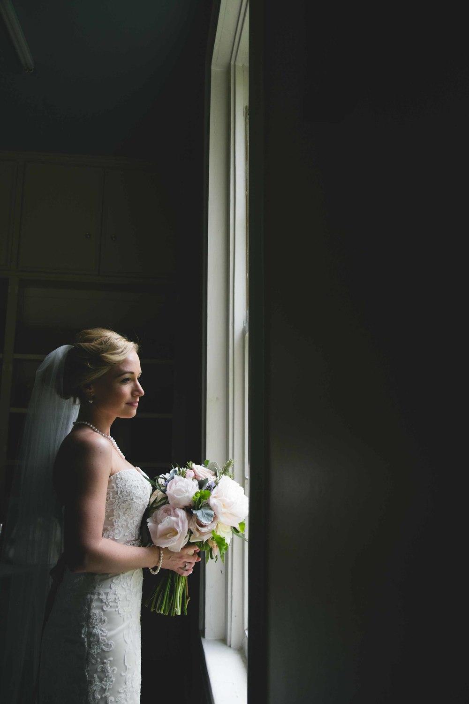 Nashville-wedding-photographers-bride-tn-engagement-photography-0530-2.jpg
