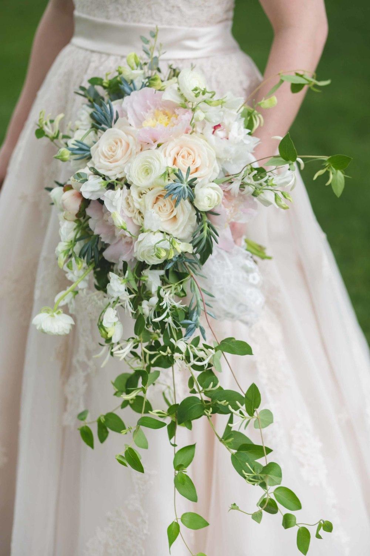 Nashville-wedding-photographers-bride-tn-engagement-photography-0228-2.jpg