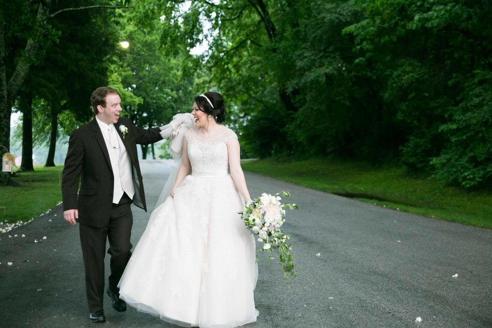 Nashville-wedding-photographers-bride-tn-engagement-photography-0598.jpg