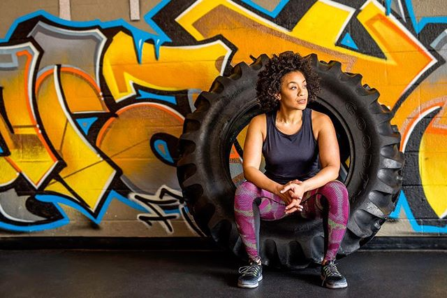 This girl! Dr.J-Pop! It's always fun to meet a fellow Nashvillian! Thanks for letting us look cool by being in the same room as you! @dr.jpop • • • #tires #throwdown #graffiti #nashville #thrive #bootcamp #health #coach #whatsup #fierce #bosslady #active #workhard #shecool