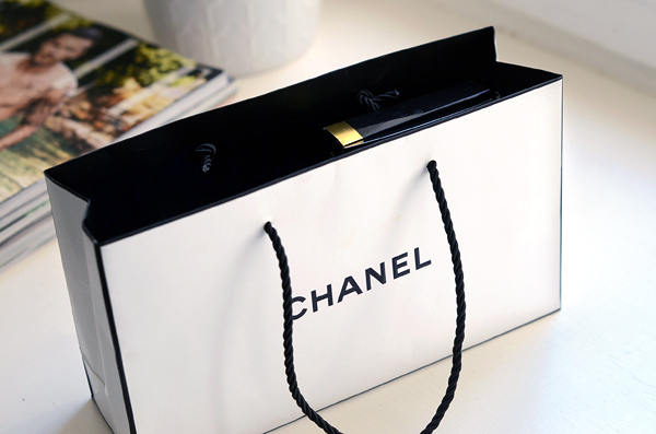 white_chanel_shopping_bag-3423.jpg