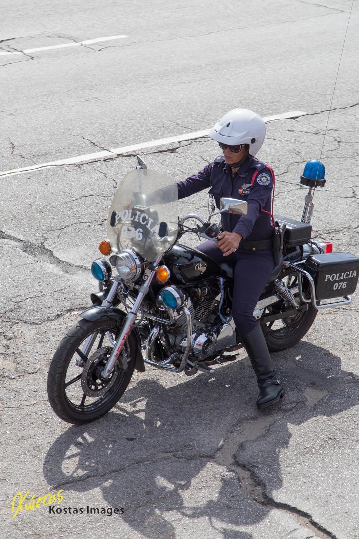 La policia en moto.jpg