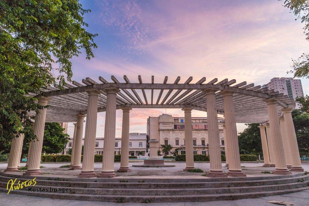 Plaza Villalon HDR.jpg