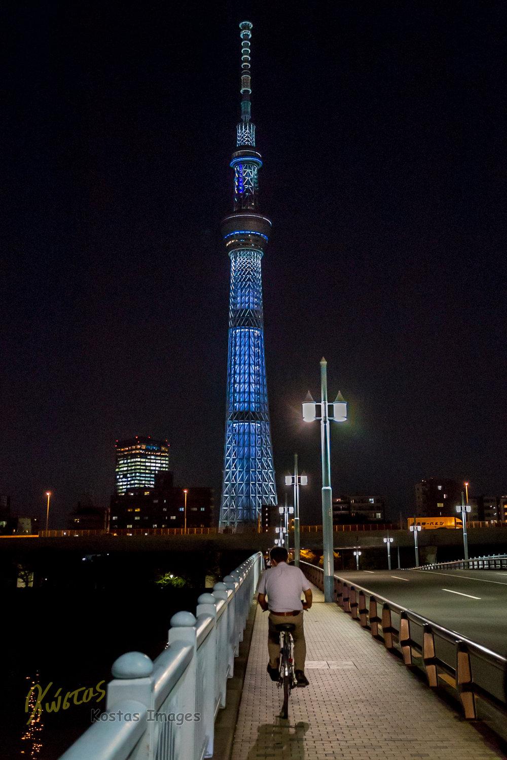 20160901-IMG_6262-Tokyo SkyTree Tower and biker.jpg