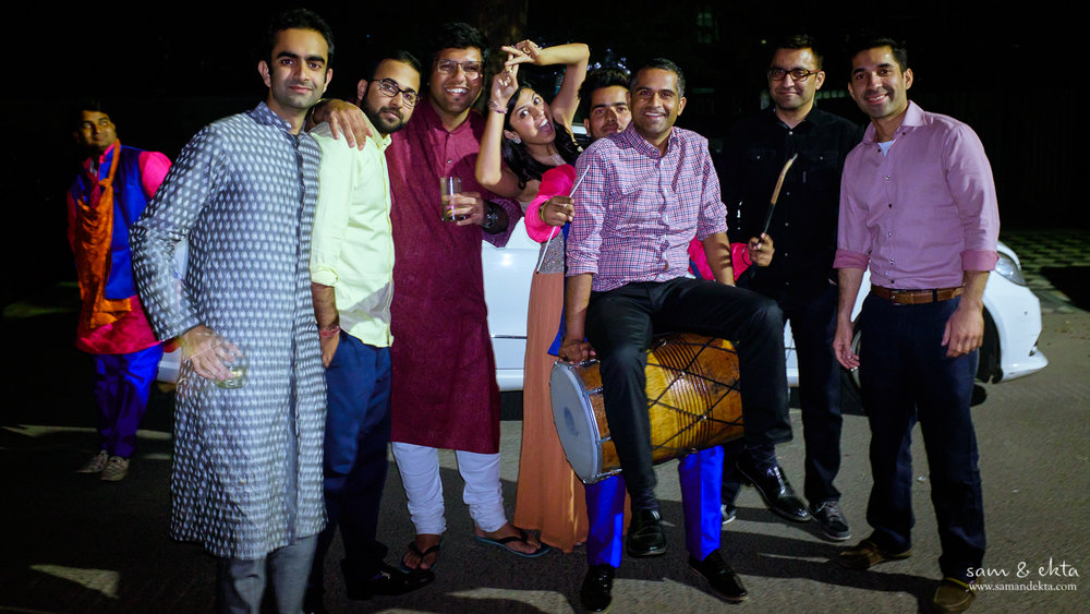 1:42 a.m. The groom's party drives to the bride's place with the dholwaalas, and wakes them all up to dance. Yes, it is this kind of wedding